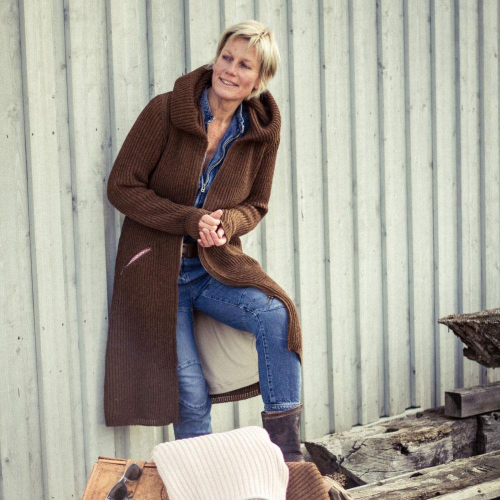 neue Season eine große Auswahl an Modellen hoch gelobt Damen Strickmantel mit Kapuze mokka braun